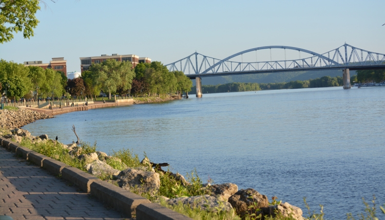 lacrossebridgesatriverside
