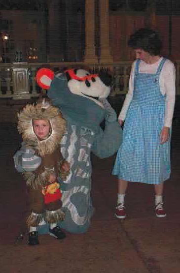 Dorothy&LionWDW