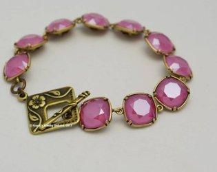 Fuschia Cusion Bead Bracelet